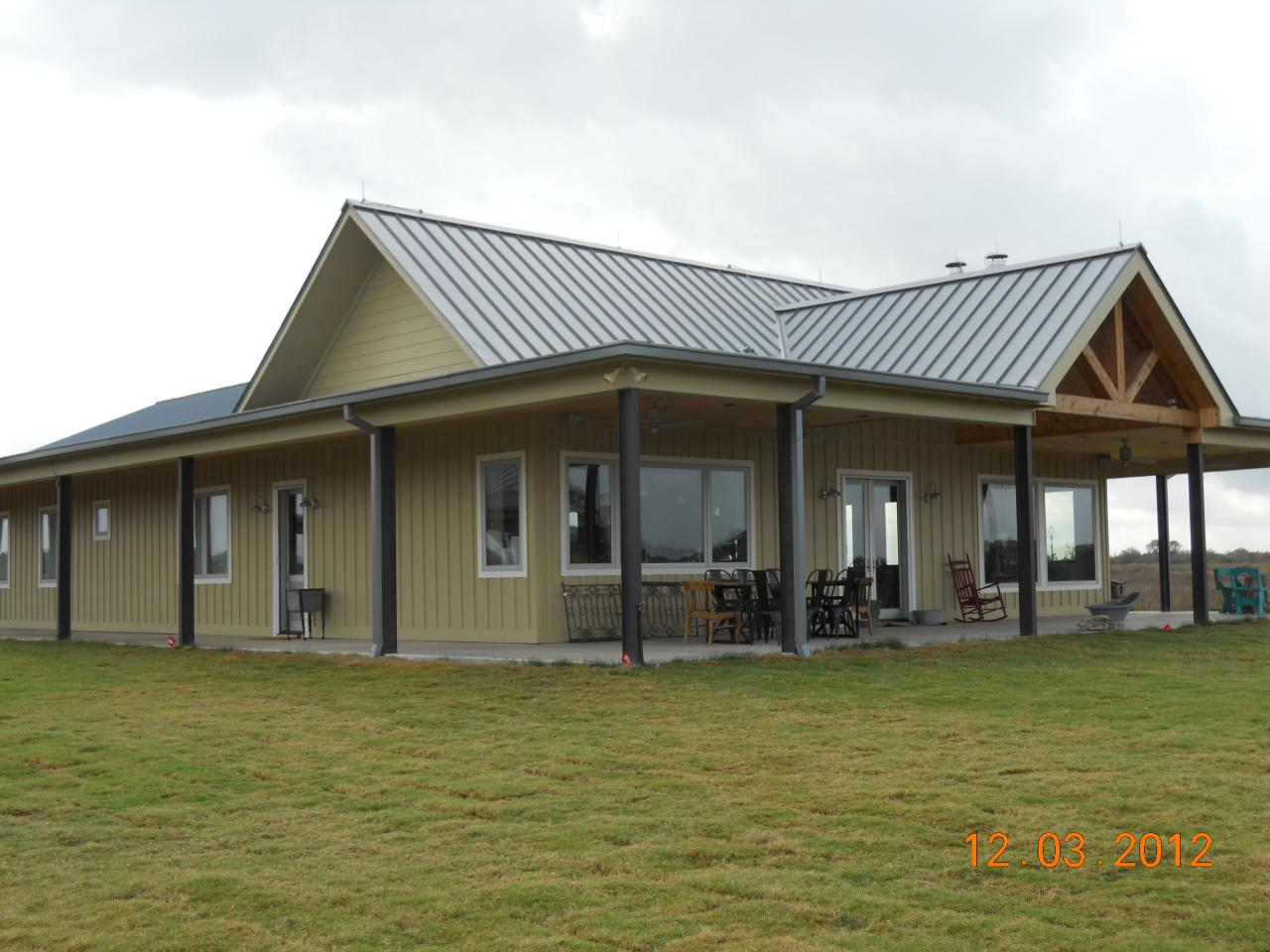 Cross creek construction design picture gallery for Metal buildings for houses